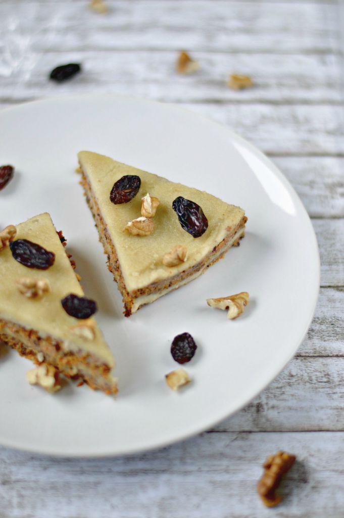Raw Vegan Carrot Cake | WIN-WINFOOD.com #healthy #cleaneating #raw #vegan #plantbased #glutenfree