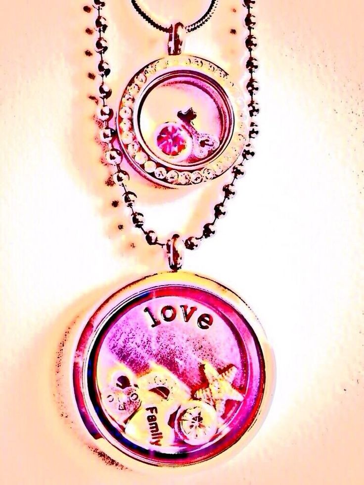 Our mother & daughter v.lockets are beautiful with motion charms that you can share between you. We particularly love the heart padlock with the daughter holding the key! #daughter #mother #gift #v.locket #jewellery #personalised  Www.venuswithlove.co.uk