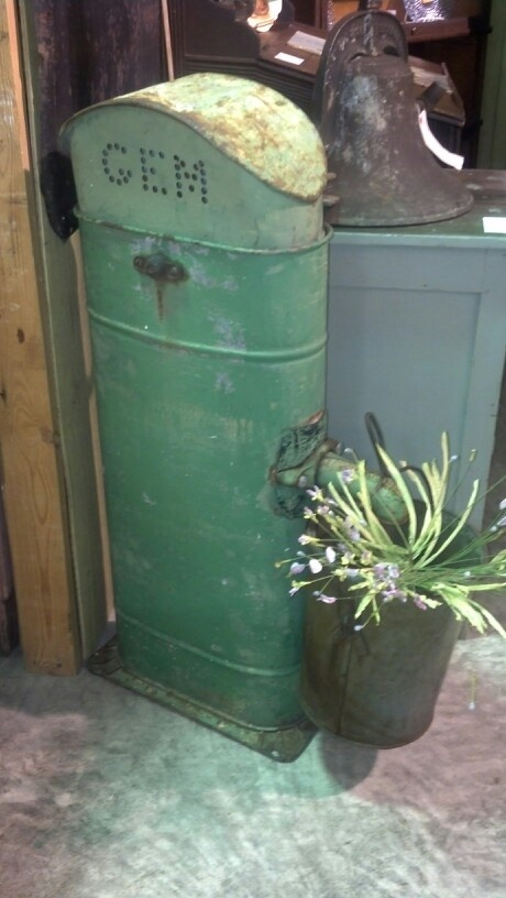 Old Cistern Pump Prims Amp Such At Route 66 Antique Mall