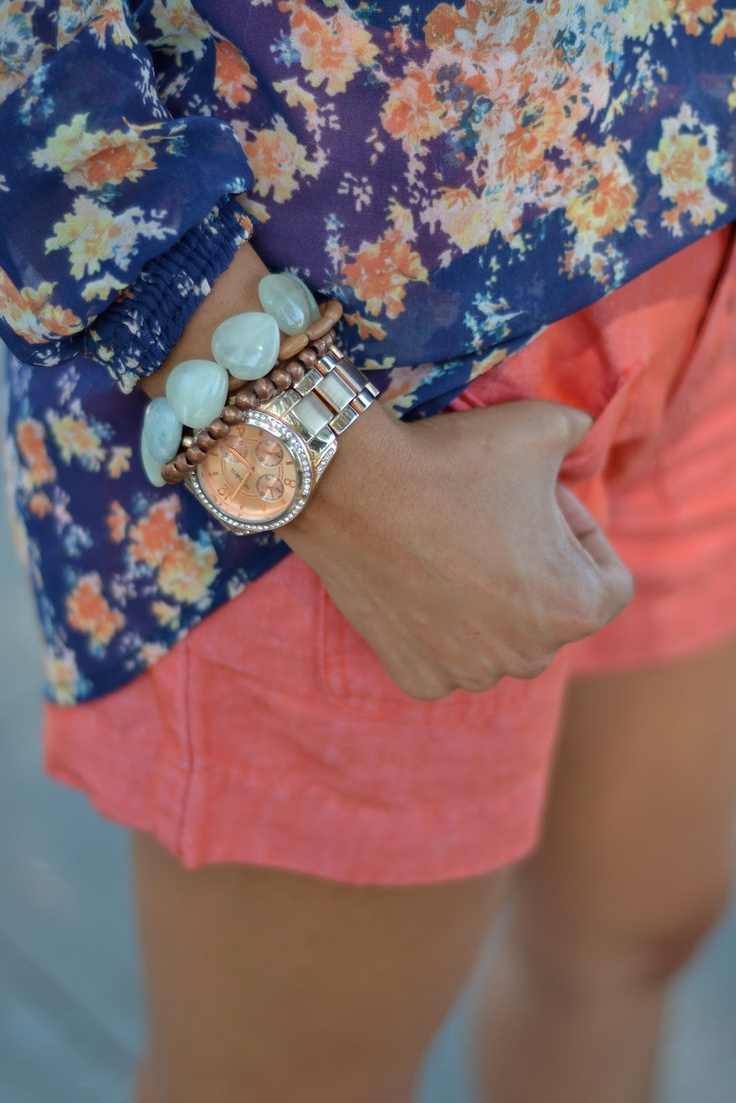 floral blouse with coral shorts--inspiration for a floral top and salmon colored shorts that I already have!