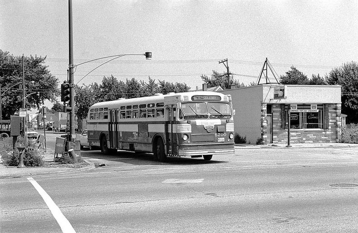 CTA Bus Route: 67 67th 69th 71st at 73rd and Kedzie.