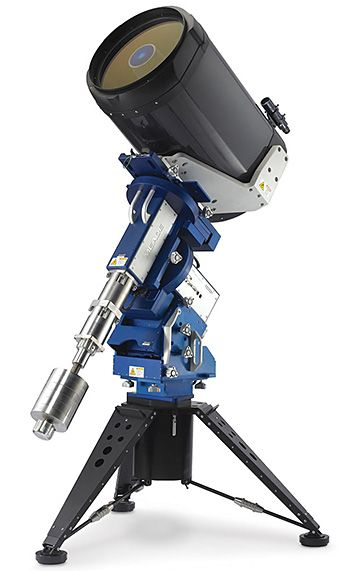 The Observatory Class Telescope - This 20-inch diameter GPS-enabled telescope goes deep space. You'll be able to watch the counter-rotation of the bands around Jupiter and see stellar winds in the Orion nebula. | Werd