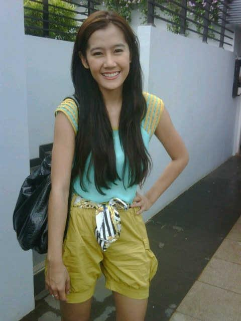 ARDINA RASTI choose MINEOLA to make her looks good. How about you?  Pants that Ardina wear can be seen at: http://www.facebook.com/photo.php?fbid=10150615375774046=a.10150547535484046.481826.98906349045=3 ... ARDINA RASTIは彼女が良く見えるようにミネオラを選択します。いかがですか?  Ardinaの磨耗が見られることができるパンツ: http://www.facebook.com/photo.php?fbid=10150615375774046=a.10150547535484046.481826.98906349045=3 More