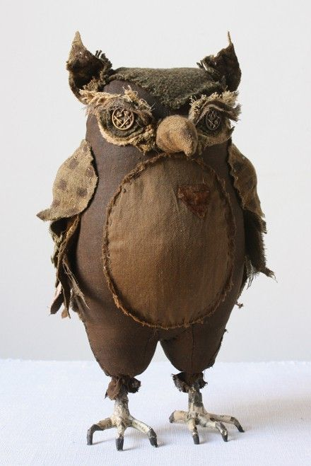 I think I need a badass owl like this to guard my home. from mice.