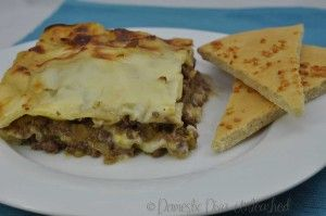Domestic Diva: Lasagne – My Big Batch Failsafe Version with pizza garlic bread.