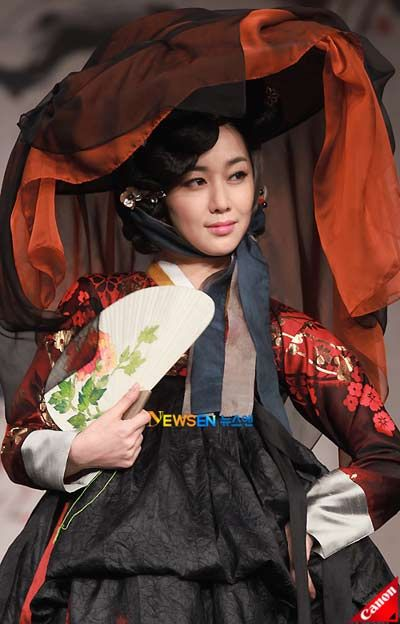 I love gisaeng clothes. They're so pretty
