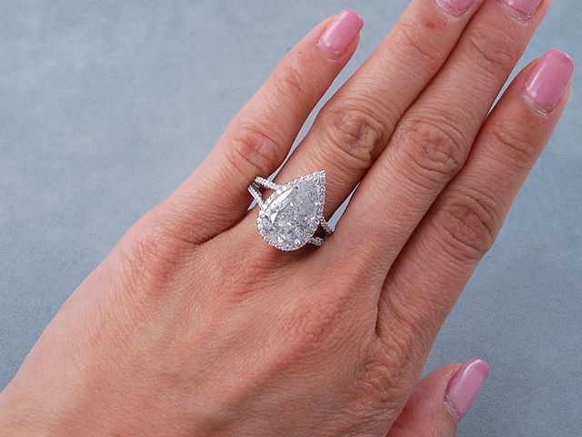 4 84 Ctw Pear Shape Diamond Engagement Ring It Has A