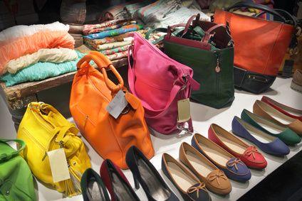 #Shopping #Ventes #Privees : #Astuces pour  #Eviter les #Arnaques : http://www.comparedabord.com/blog/shopping/ventes-privees-astuces-pour-eviter-les-arnaques