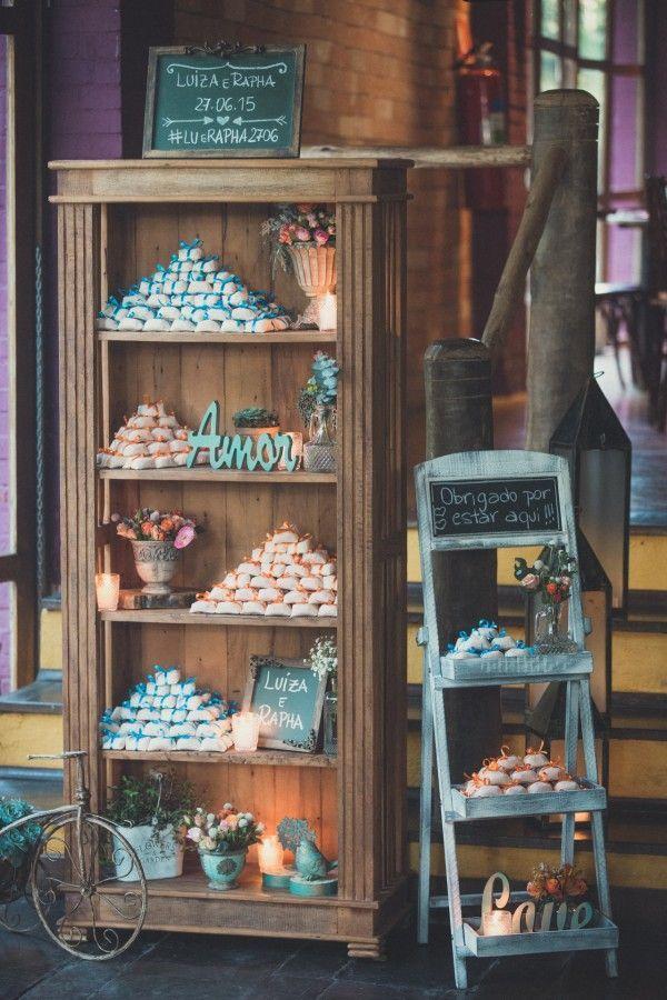 Lindo... #decoração #decoración #flores #casamento #boda #fiesta #festa #rosa #azul  http://umarecemcasadacrista.blogspot.mx/   Nos siga em Facebook: https://www.facebook.com/umarecemcasadacrista  twitter: @TalineVugt  https://twitter.com/TalineVugt