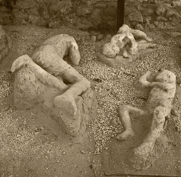 Pompeii: A personal account of the day of destruction/Place in  history a vivd look