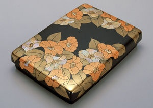 蒔絵螺硯箱「椿」  人間国宝 Murose Kazumi