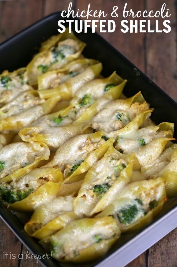 Leicht Hähnchen und Brokkoli Alfredo Gefüllte Muscheln - ein schnelles Rezept, das Sie im Voraus zu machen