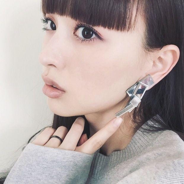 アラサー女性の憧れ♡人気モデルでママ・鈴木えみの魅力 - Locari(ロカリ)