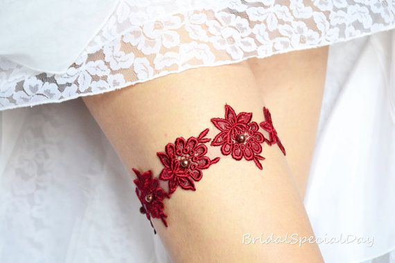 Red Royal  Garter /Lace Wedding Garter /  by BridalSpecialDay, €19.00