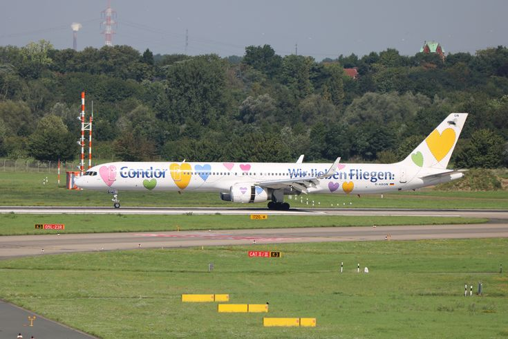 """https://flic.kr/p/Y2RMBz   D-ABON Boeing 757-300 Condor Wir lieben Fliegen DUS 2017-08-23 (14)   Flughafen Düsseldorf, Boeing 757-300 (D-ABON) der Condor Flugdienst in """"Wir lieben Fliegen""""-Sonderlackierung"""