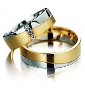 Cincin kawin Desain garis gelombang dan perpaduan warna gold dan silver Serta Dop Satin dan dihiasi dengan Permata cantik, Material bahan: pria, 5,5 gram Perak dan wanita, 5,5 gram Emas + Kristal Swarosky 0.02crt (3 butir) Info Order BBM: 521D3B3F WA: +6289653501345 #cincin #cincinkawin #kawin #cincinnikah #nikah #cincintunangan # tunangan # terbaru #desain #ring #wedding #weddingring #rings #couple #pernikahan #harga #model #pertunangan