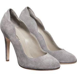 Light grey suede heels with wavy edges. <3