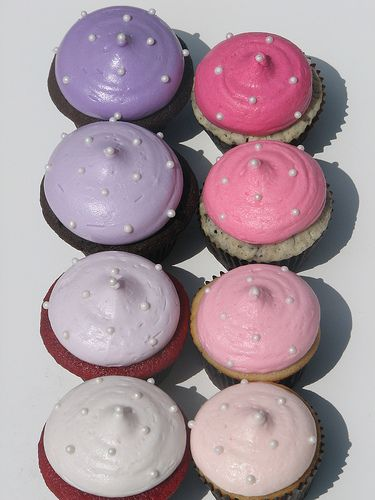 Blue violet and red violet frosted cupcakes