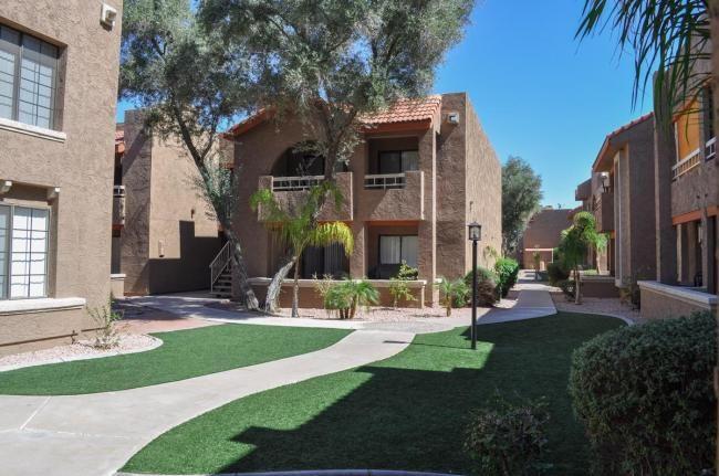 Beautifully landscaped grounds surrounding the Brookfield Apartment Homes community #apartments #Phoenix #Arizona #homedecor #PHX #PhoenixArizona