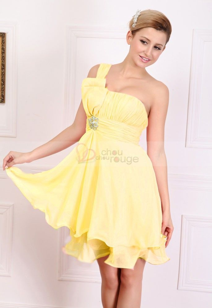 ROBE DE COCKTAIL WITCH S MAGIC JAUNE ÉLÉGANTE ET RAFFINÉ 14,99 €   Robes en  Destockage Préparation sous 24H   Pinterest   Robe cocktail, Cocktail et  Raffiné bd120fb5e4d6