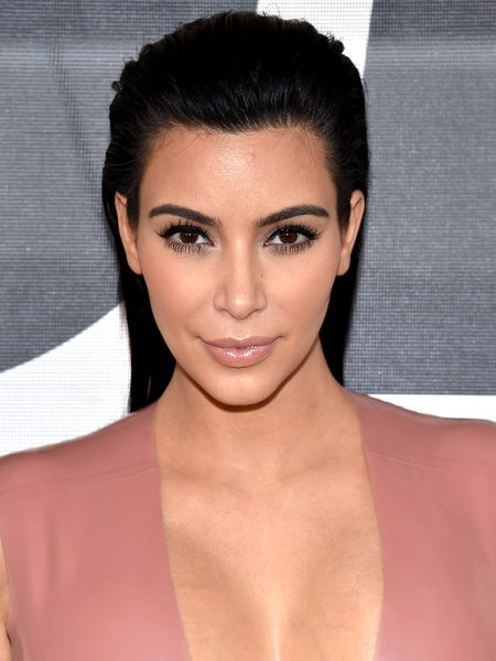 Fraxel like Kim: Sure, Kim Kardashian West and Christie Brinkley have great genes, but they also have great dermatologists. Both have admitted to using laser treatments to keep their skin looking beautiful, but the…