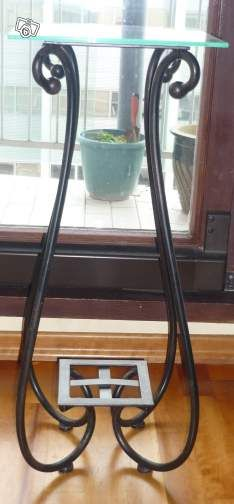 Console en verre et fer forge. N'hésitez pas a liker ou cliquer sur le website pour plus d'infos