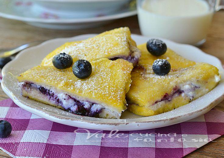 French toast cheesecake con ricotta e mirtilli
