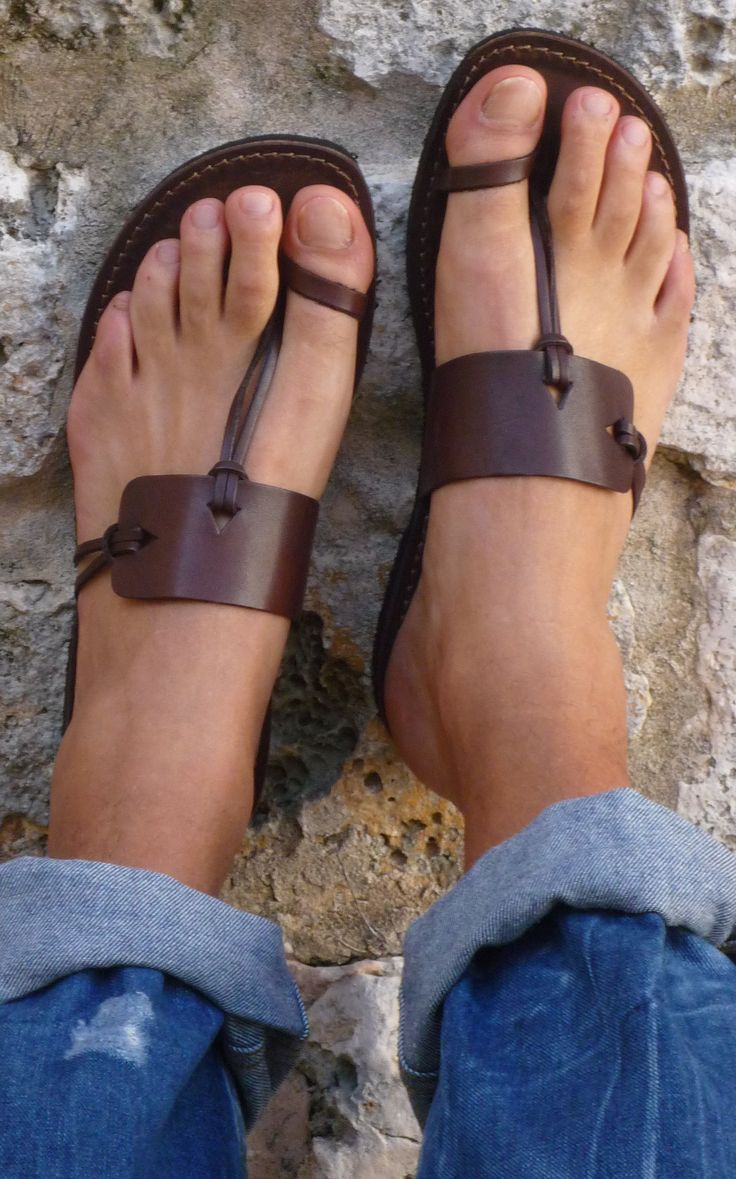 Sandals! I love these!!!                                                                                                                                                                                 Más
