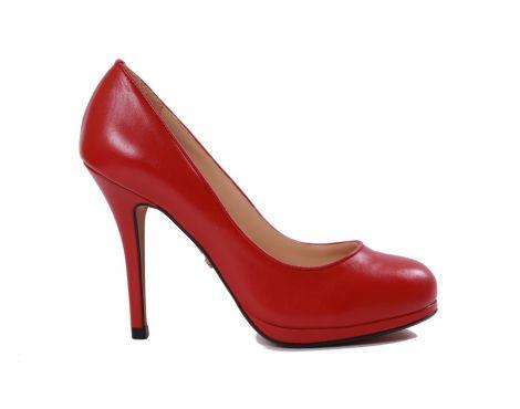 Ponadczasowe. Czerwone szpilki nigdy nie wychodzą z mody. Podkreślają kobiecą figurę i dodają jej elegancji. Pozdrawiamy, Bmbutik.pl http://bmbutik.pl/czolenka/218-klasyczne-czolenka-red.html