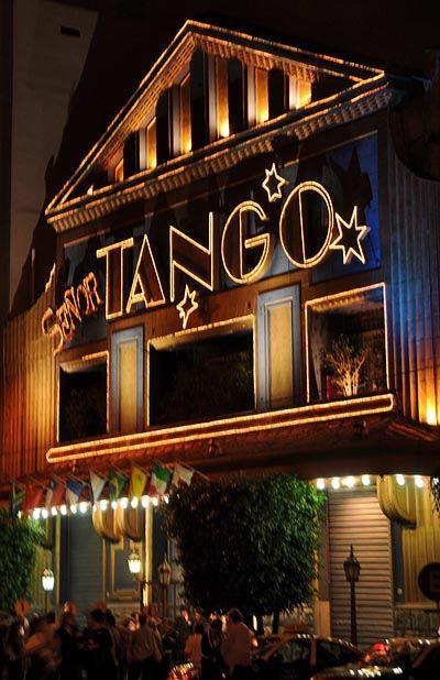 Senior Tango, el salón de baile más famoso de Buenos Aires.