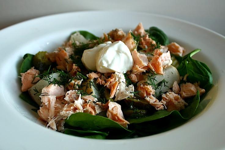 Russo-Scandinavian inspired salad of good Baltic ingredients.Turnip Salad, Pickles Turnip, Inspiration Salad, Flakes Salmon, Salad Recipe, Paleoprim Salad, Paleo Prim Salad, Salmon Pickles