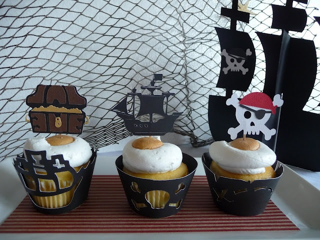 Pirate party: Kids Parties, Birthday Parties, Pirates Birthday, Toppers Sets, Pirates Parties, Parties Ideas, Pirates Cupcake Wrappers, Pirates Theme, Cupcake Toppers