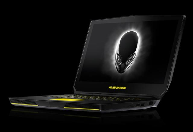 Alienware 15 Has Performance But Could Be a Bit Smaller: Alienware 15 (2015)