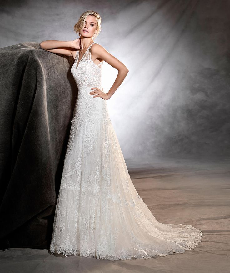 OSMANY - Wedding dress in Chantilly and guipure details