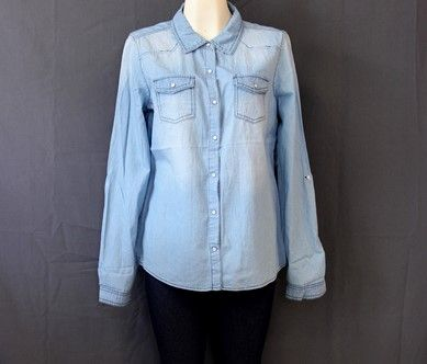 #Camisa #mezclilla #azul #claro con #bolsillos