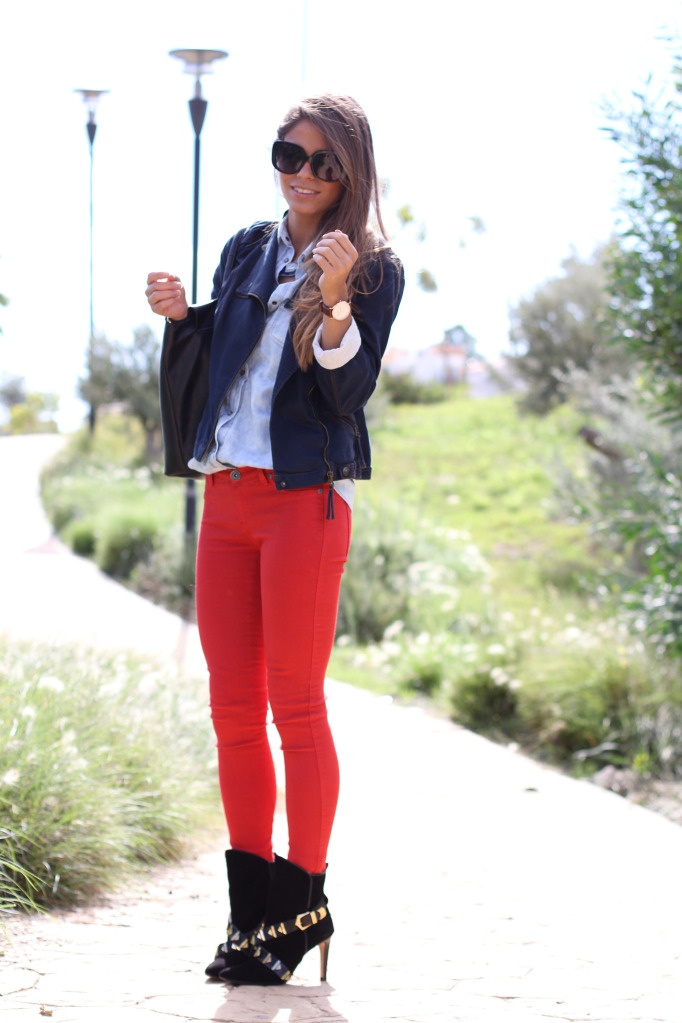 » Red Jeans Seams for a Desire
