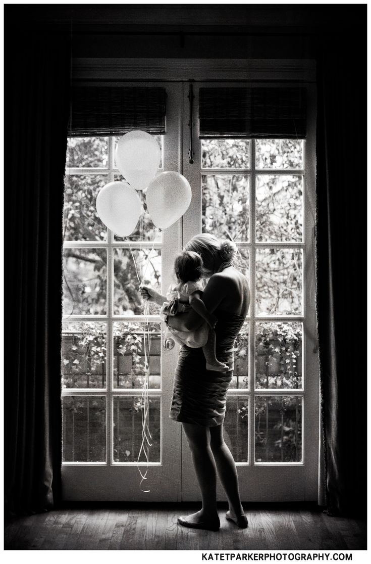 one year old On birthday. I just died. Could totally do this in front of big windows in the living room.