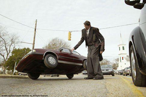 Still of Matthew McGrory in Big Fish (2003)- Making a giant impression. Great Tim Burton film.