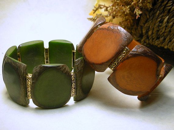 Organic, ecofriendly plant ivory jewelry- 8 inch Tagua nut bracelet Brown  greenStretch by Mayosodesigns, $40.00 https://www.etsy.com/listing/175531604/8-inch-tagua-nut-bracelet-brown?ref=shop_home_active_1