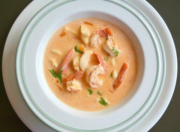 Бархатный и нежный!..Суп такой вкусный, что можно сразу съесть несколько тарелок и все равно будет мало...Его несомненно оценят и гурманы, и любители просто вкусно…
