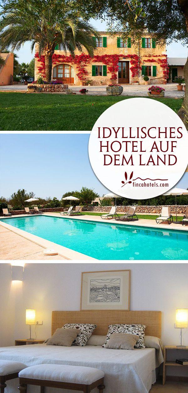 Urlaub auf dem Land - das können Gäste des gemütlichen Landhotels Son Capellot im Südosten von Mallorca genießen. Das kleine, familienfreundliche Hotel verfügt über gemütliche Appartements und einen Pool inmitten der wunderschönen Gartenanlage.