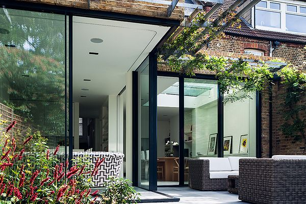 Great modern extension with sun shading. www.methodstudio.london