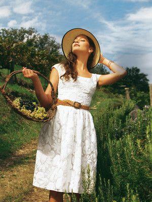 burda style, Schnittmuster zum Download - Sommerlich-elegantes Kleid aus zartem Organza.