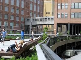 Sunbathing and just chilling on the walkway, what a great idea.....really utilising the space.