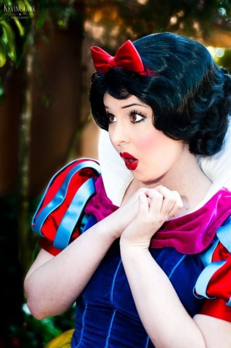 Oh my!  Photographer: Kevin Clark. After watching Snow White for the first time in a few years the other day, I'd say this outfit and expressions are spot on!