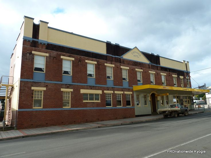 The Exchange Hotel AKA The Bottom Pub. Completed by Tooth & Co in 1929 - another iconic Kyogle Main Street building. Let us know which Kyogle building is your favorite and what do you love the most about our town?