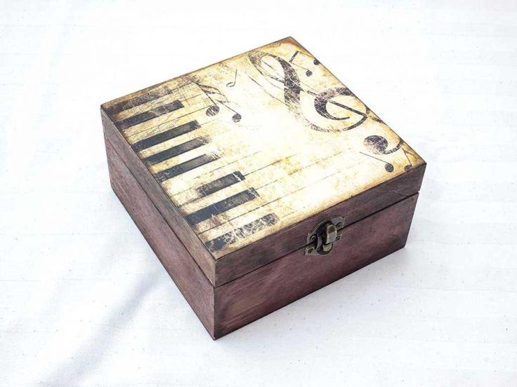 Zongora lecke nagy ékszertartó fa doboz