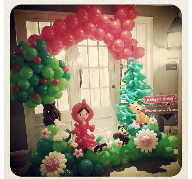 39 little red riding hood 39 balloon decor party ideas for Balloon arch decoration