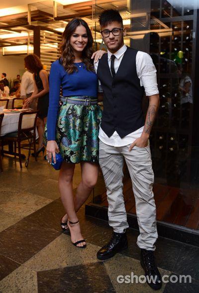 Bruna Marquezine e Neymar mostram que são um casal cheio de estilo e personalidade