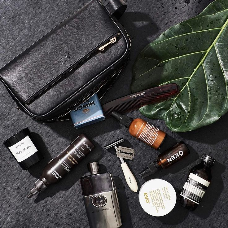 Men's personalised leather washbag. Perfect for storing your toiletries on your next travel adventure. With compartments for razors, shaving cream, hair products and everything in between. Get your initials monogrammed on the toiletries bag for a special touch. A beautiful gift idea for the man in your life (or you!) // www.thedailyedited.com @thedailyedited